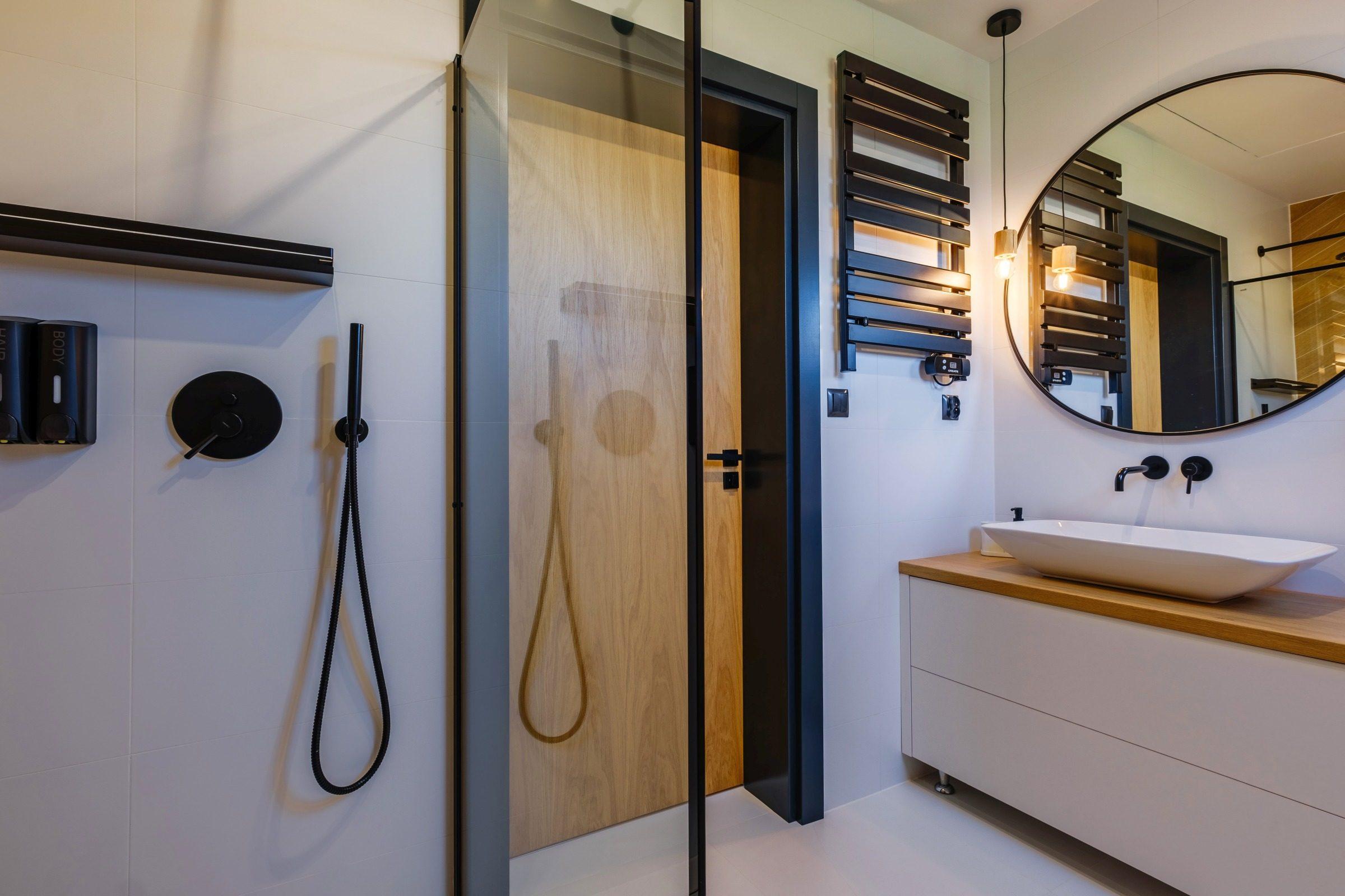 Apartamenty NOVA BIAŁKA Białka Tatrzańska apartament 8 łazienka prysznic